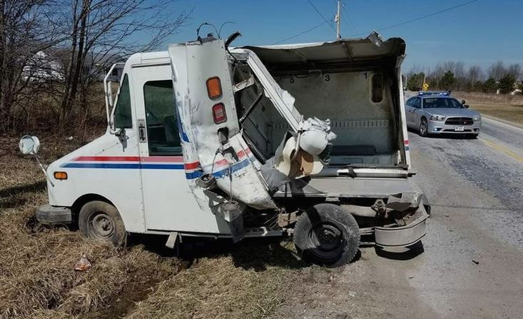 USPS, Fed Ex trucks crash in Wellington OH | PostalReporter com